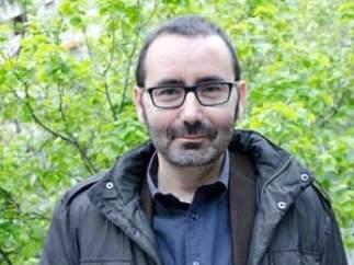 El escritor Javier Morales Ortiz