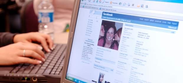 ¿Hasta qué punto se imitan entre sí los amigos en Facebook?