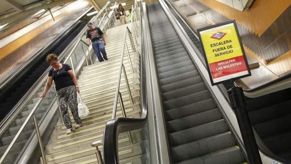 Escalera mecánica averiada