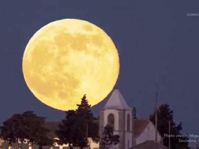 Una superluna