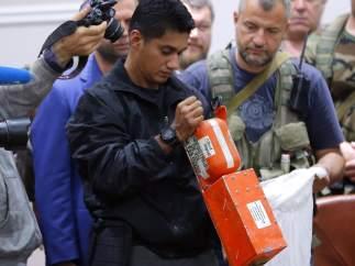 Cajas negras del avión derribado en Ucrania