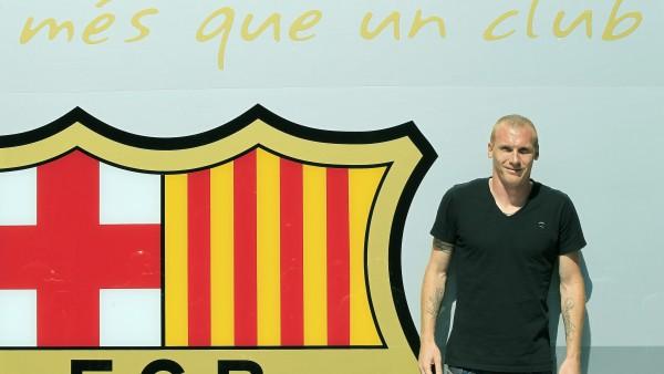 Mathieu, con el escudo del Barça