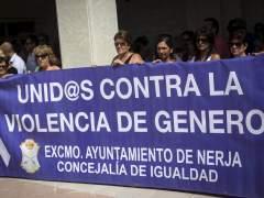 Concentración contra la violencia de género en Nerja
