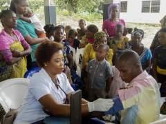 Atención y prevención del ébola en Nigeria.