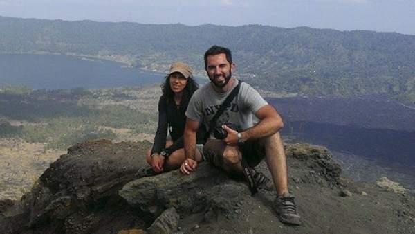 Rafael Martínez y María Pullol, los dos supervivientes españoles del naufragio de Indonesia