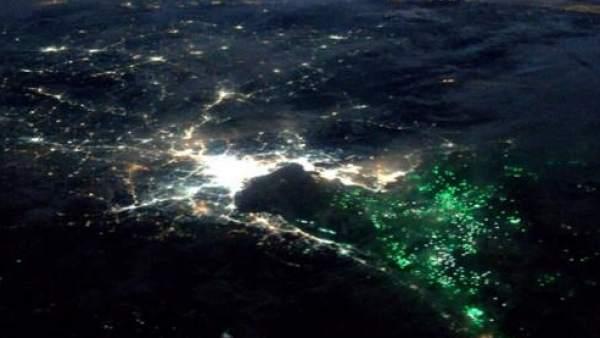 Extrañas luces verdes en el sureste asiático desconciertan a los tripulantes de la ISS