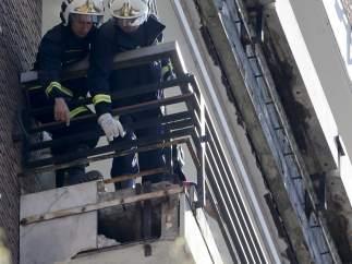 Fallecido tras caerle parte de un balcón