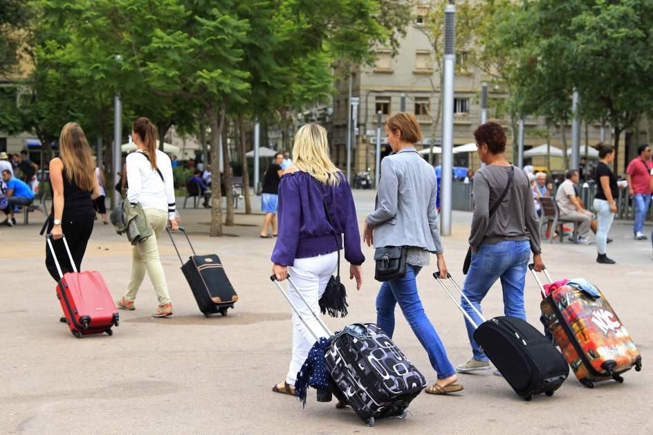 Los turistas extranjeros gastaron entre enero y noviembre un 12,9% más en España respecto a 2016