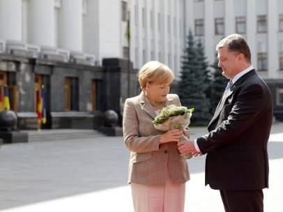Merkel y Poroshenko