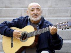Recogen firmas para pedir una estatua en homenaje a Peret en Barcelona