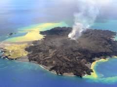 Isla volc�nica Japonesa de Niijima