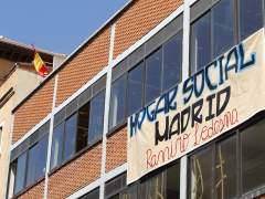 Exterior de la nave okupada en Tetu�n (Madrid).