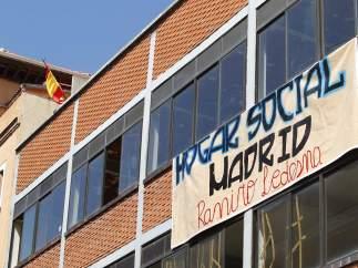 Exterior de la nave okupada en Tetuán (Madrid).