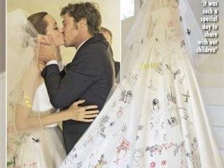 Portada de la revista Hello! con la boda de Angelina Jolie y Brad Pitt