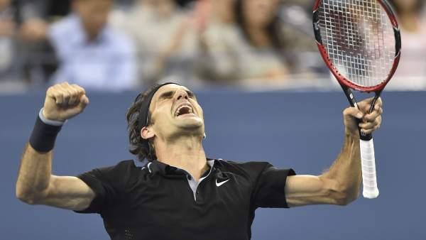 Federer celebra su paso a semifinales