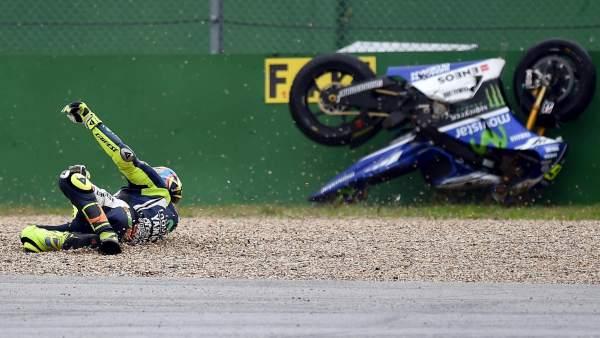 Caída de Rossi en los entrenamientos de San Marino