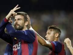 Piqué salva al Barça
