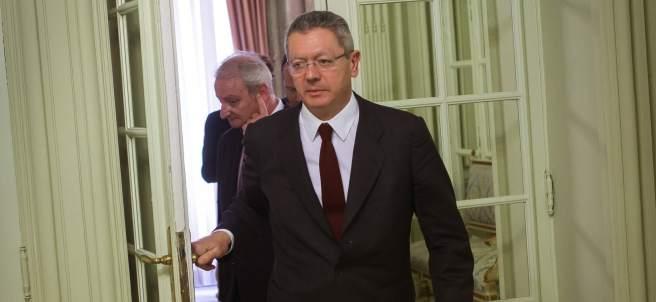 Alberto Ruiz-Gallard�n