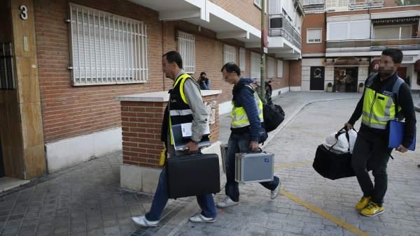 La Policía registra la casa del presunto pederasta de Ciudad Lineal
