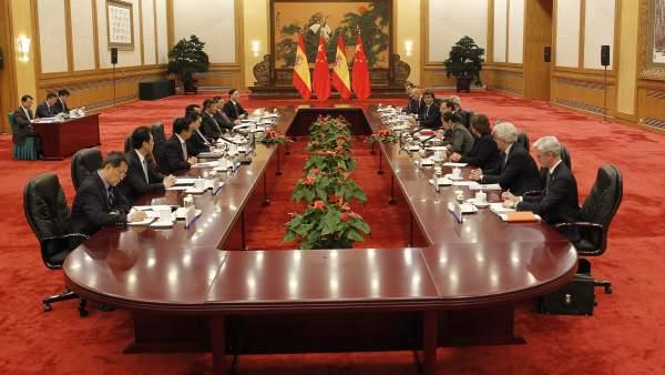 Acuerdos de Rajoy con China: 3.150 millones en negocios de alfalfa, cine, energía y formación