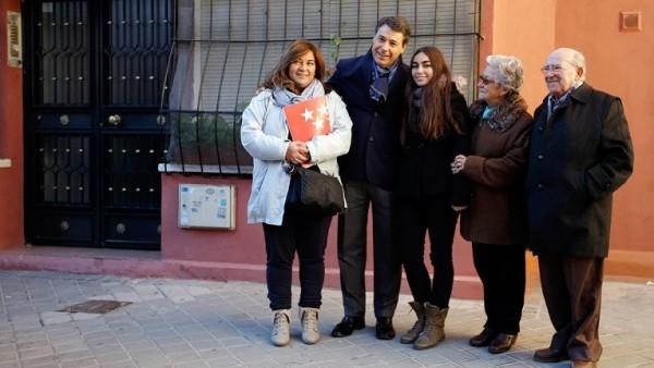 Entrega de vivienda pública en Madrid