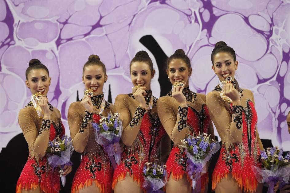 Espa a medalla de oro en la final de mazas por equipos de - Las chicas de oro espana ...
