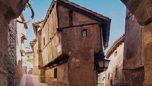 Casa de la julianeta una casa cubista en uno de los - Casas gratis en pueblos de espana ...