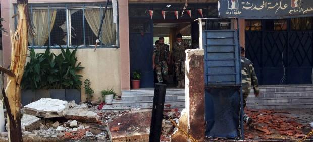 Un doble atentado frente a una escuela siria deja 48 muertos, entre ellos 41 niños