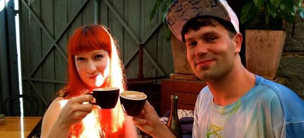 Tomando un café con su amiga Nº20