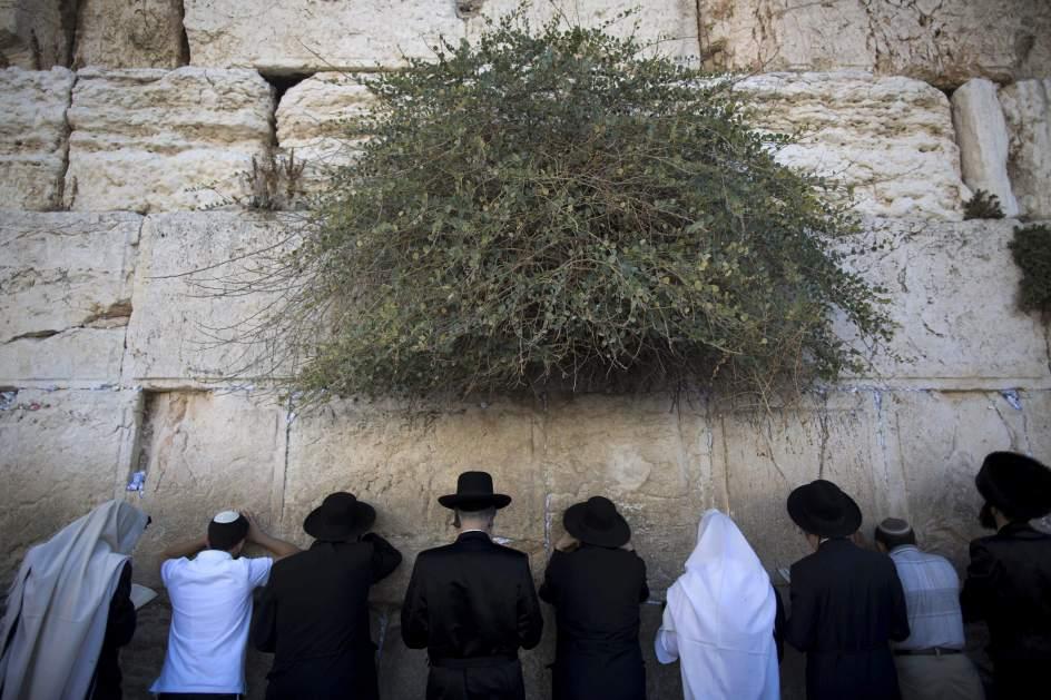 Preparativos para la celebración del Yom Kippur