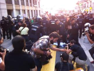 Cargas durante el 'Rodea el Congreso' del 4 de octubre