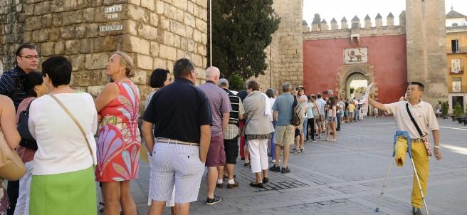 Colas en el Real Alcázar de Sevilla por el rodaje de Juego de Tronos