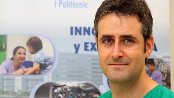 """El ginecólogo César Díaz: """"El trasplante de útero beneficiaría a una de 4.000 mujeres en España"""""""