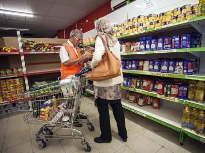 Entrega de alimentos en Nou Barris