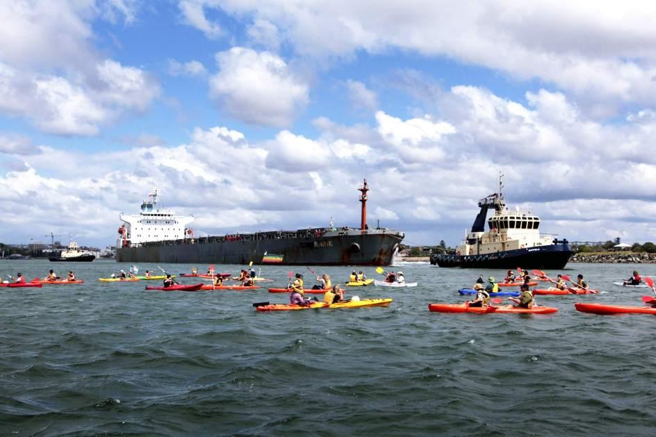 Bloqueo ecologista en el puerto de Australia