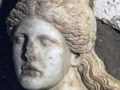 La cabeza de una esfinge encontrada en la tumba de Anf�polis, Grecia