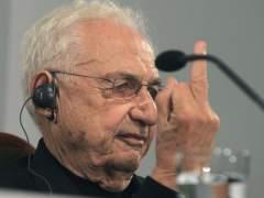 Frank Ghery dedica una peineta a los periodistas en una rueda de prensa por los premios Pr�ncipe de Asturias 2014