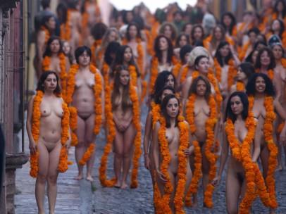 Tunick desnuda a México