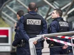 La policía evacúa campamentos con 2.459 inmigrantes en París