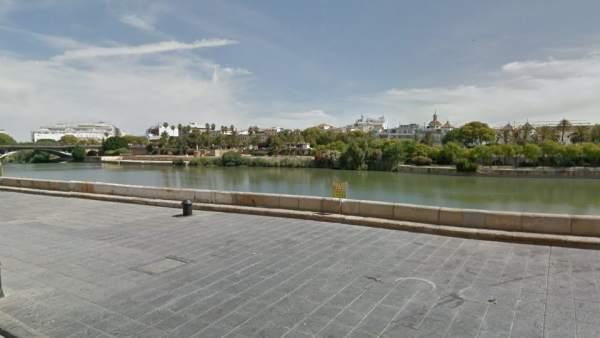 Calle Betis (Sevilla)