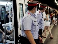 Detenido un carterista que levantó sospechas por ir con un bolso de mujer