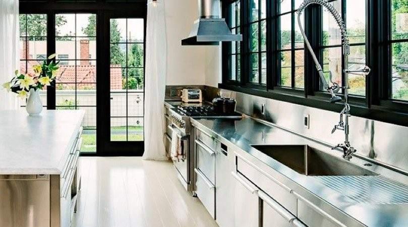 El industrial un estilo sobrio y robusto para la cocina for Cocina industrial hogar