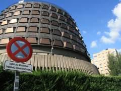 El Constitucional suspende la ley catalana de las estructuras de Estado
