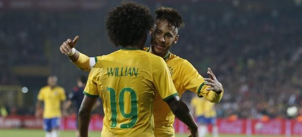Neymar guía a Brasil en su goleada turca (0-4) y México sorprende a Holanda (2-3)