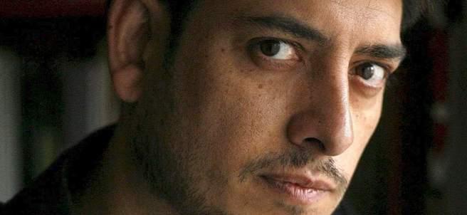 El escritor Guillermo Roz