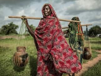 Akkoe Moussa, de Chad, tardaba una media de dos horas diarias en recoger agua