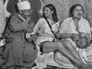 Danseuse. Larache, Maroc, 1942