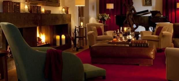 El rico calor del invierno: tres hoteles de interior con chimenea
