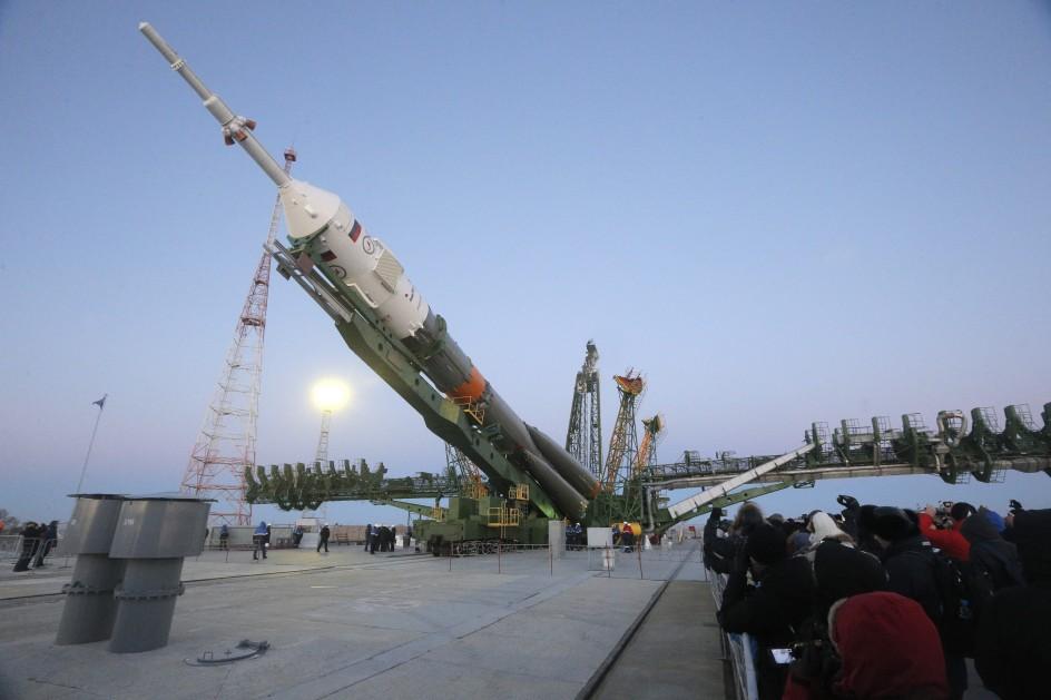 Preparativos para el lanzamiento del cohete soyuz
