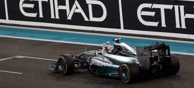 Lewis Hamilton, bicampeón contra la presión y capaz de romper la dictadura de Red Bull